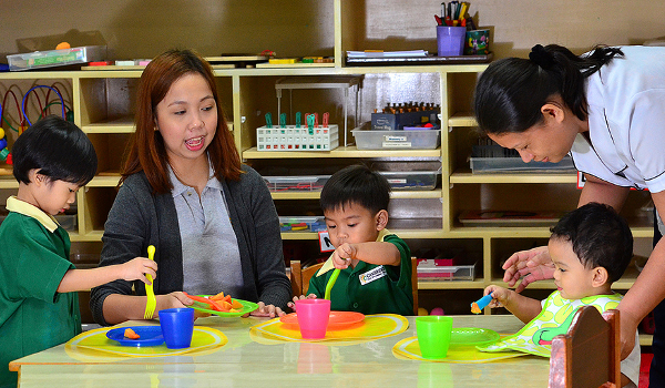5 tips to find a good daycare_teachers_thumbnail