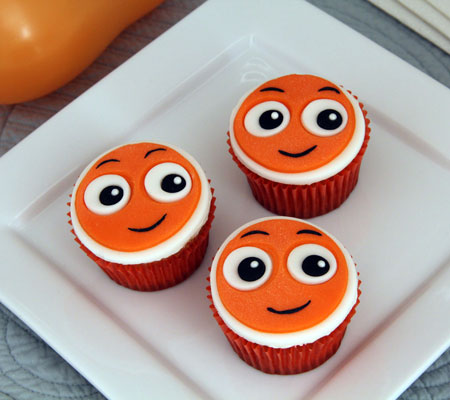 nemo-cupcakes-a-recipe-baby-shower-photo-450x400-clittlefield-040