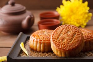 lanterns-mooncakes-explain-mid-autumn-festival-kids-2