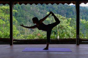 four-best-yoga-poses-parents-1