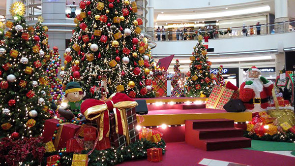 12 Malls with Exciting Christmas Activities for the Whole Family