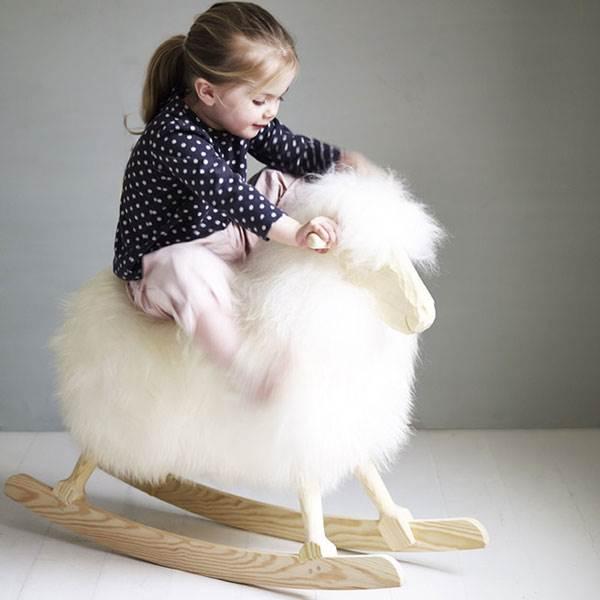 Rock-Ewe-Rocking-Sheep